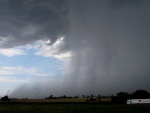 Rain foot związany ze zjawiskiem microburst (fot. Grzegorz Zawiślak)