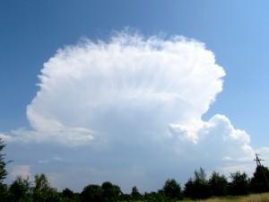 Chmura Cumulonimbus - najbardziej spektakularny rezultat konwekcji (fot. Grzegorz Zawiślak)