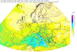 Strefa konwergencji wiatrów przyziemnych nad Polską (źródło: Estofex)