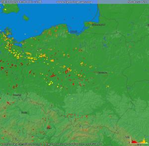 Wyładowania atmosferyczne w Polsce rejestrowane od 05.12.2013 od godz. 18:00 UTC do 06.12.2013, godz. 18:00 UTC (źródło: lightningmaps.org)