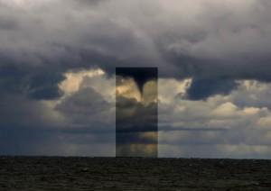 Trąba wodna, która wystąpiła 6 września 2015 r. kilkanaście kilometrów od wybrzeża w okolicach Ustki (fot. Grzegorz Zawiślak - PŁB)