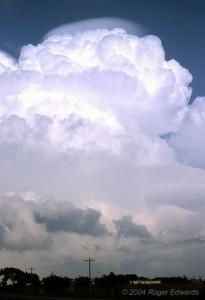 Chmura pileus (fot. Roger Edwards)