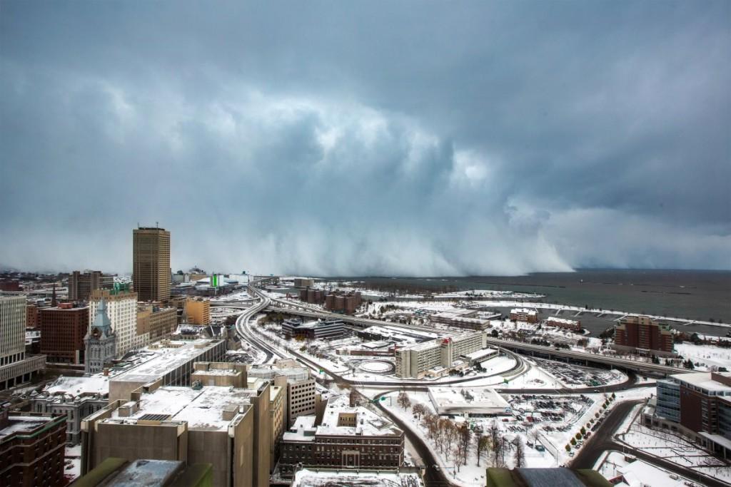 Efekt jeziora w Buffalo. Źródło: iweathernet.com