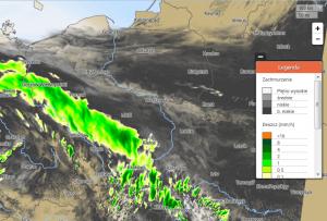 Natężenie opadu deszczu wraz z zachmurzeniem na 2.05.2017 r., godz. 14:00 CEST. Żródło: Model UM 1.5km